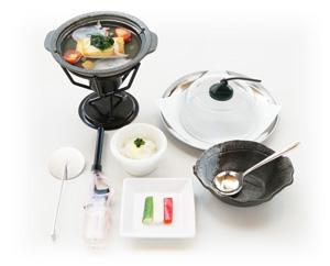 鍋物 天然ヒラメとタコの熱々!アクアパッツア